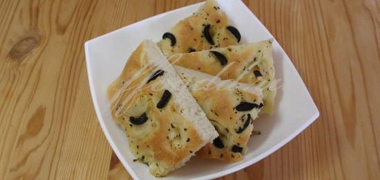 фокачча с маслинами